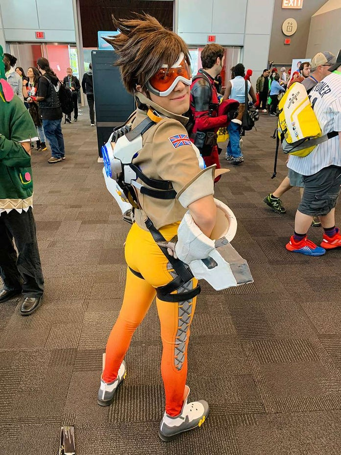 NYCC-Cosplay-Overwatch-Tracer