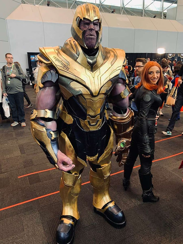 NYCC-Cosplay-Thanos-Black-Widow