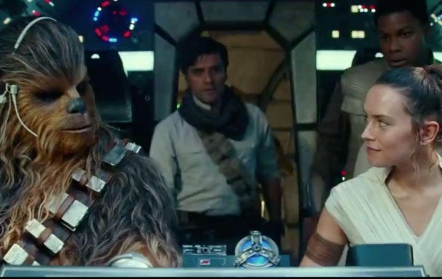 Star Wars The Rise of Skywalker Millennium Falcon Rey Finn Poe Chewbacca