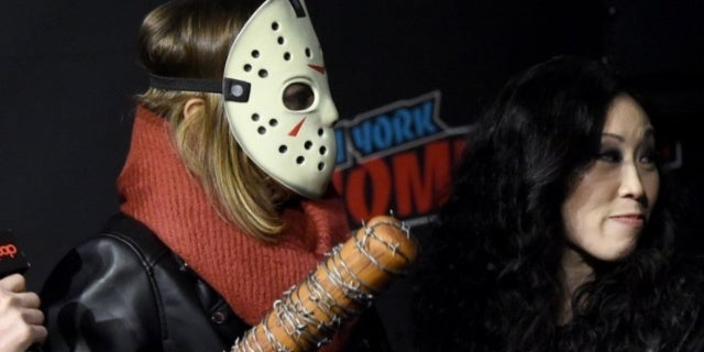 """The Walking Dead's Lauren Cohan """"Creeped Out"""" Her Co-Stars with Scary Cosplay for Return Announcement"""