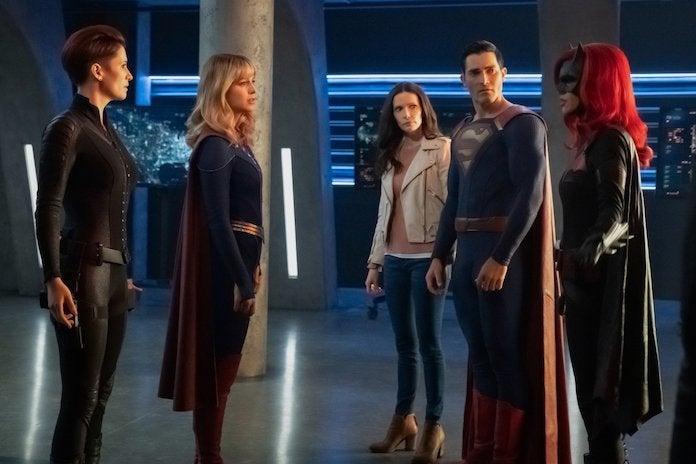 alex-supergirl-lois-superman-batwoman