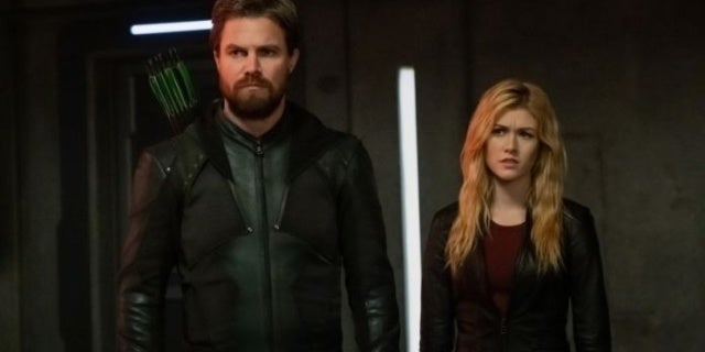 Arrow: Katherine McNamara Teases How Russia Will Change Mia and Oliver's Relationship - Comicbook.com