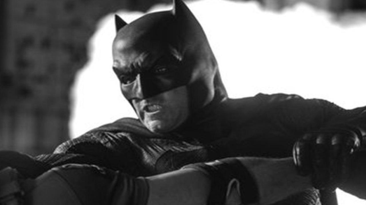 Zack Snyder Reveals New Batman Shot From Batman v Superman