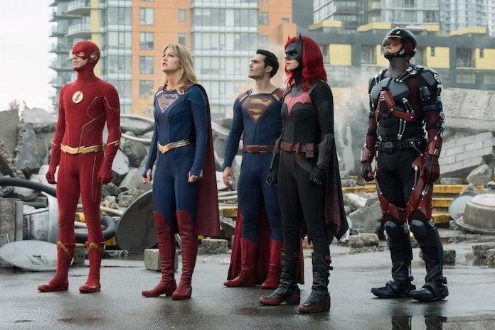 flash-supergirl-superman-batwoman-atom