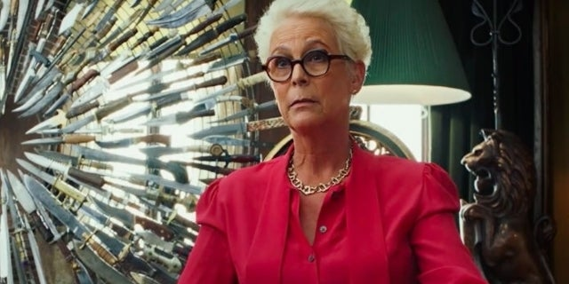 """Jamie Lee Curtis and Martha Stewart Promote """"Knives Out Knives"""" in Hilarious Video"""