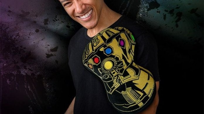 marvel-avengers-infinity-gauntlet-cushion-top
