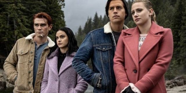 Riverdale: Things Get Deadly in Midseason Finale Preview