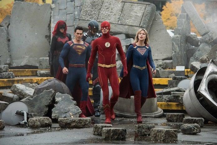 superman-flash-supergirl-batwoman-atom
