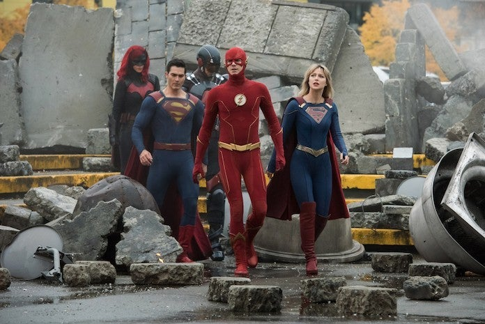 superman-flash-supergirl-batwoman-atom