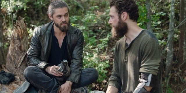 The Walking Dead's Ross Marquand Confirms Aaron and Jesus Romance Happened Offscreen