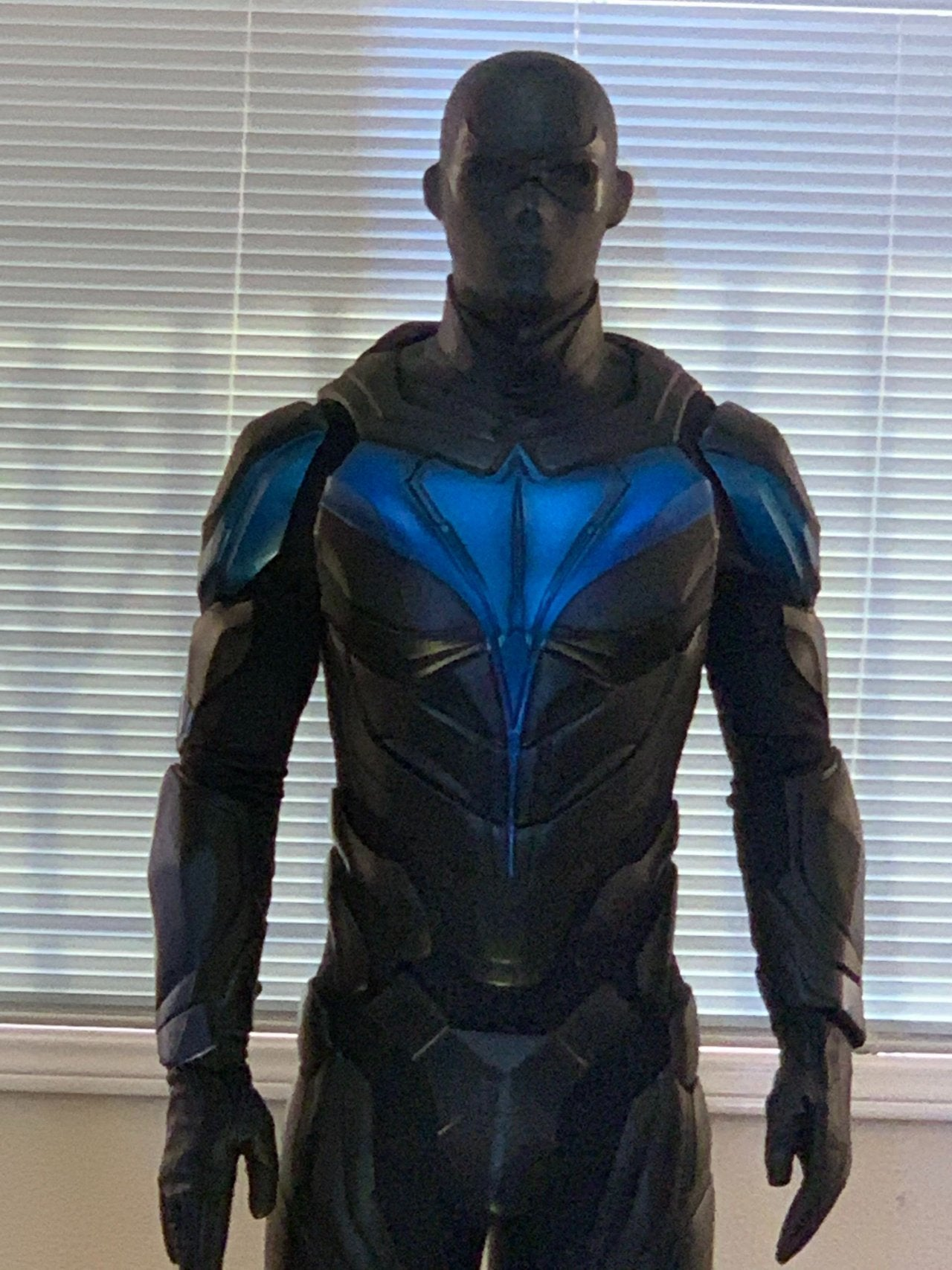 titans nightwing costume reveal dc