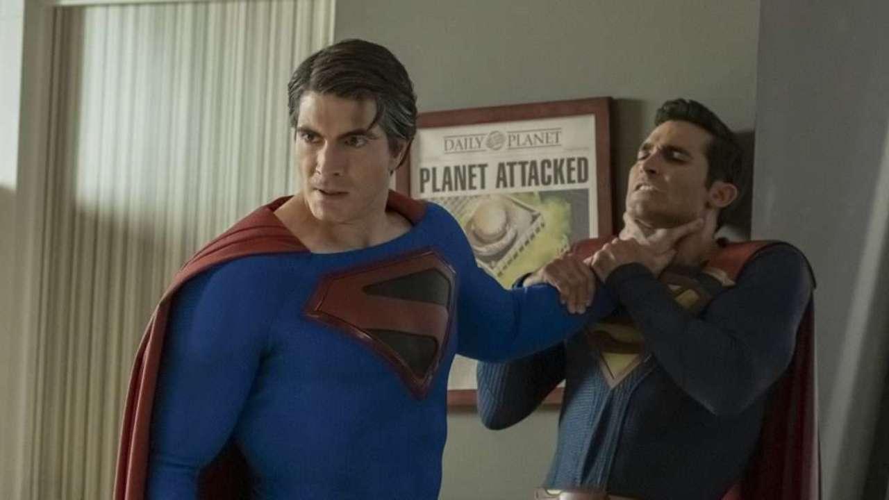Superman Chokes Superman In New Crisis On Infinite Earths Photos