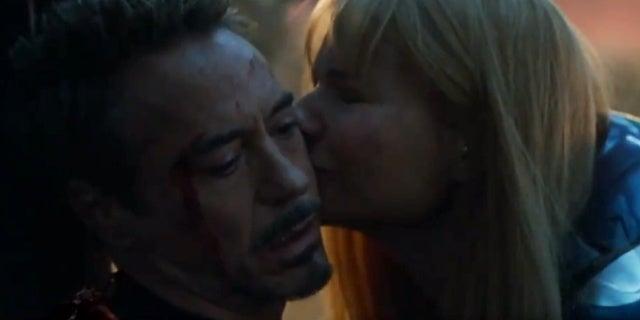 Avengers: Endgame Script Reveals Tony Stark's Heartbreaking Last Thought Before Dying