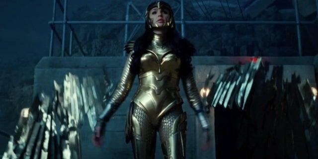 wonder woman 1984 golden eagle armor 1