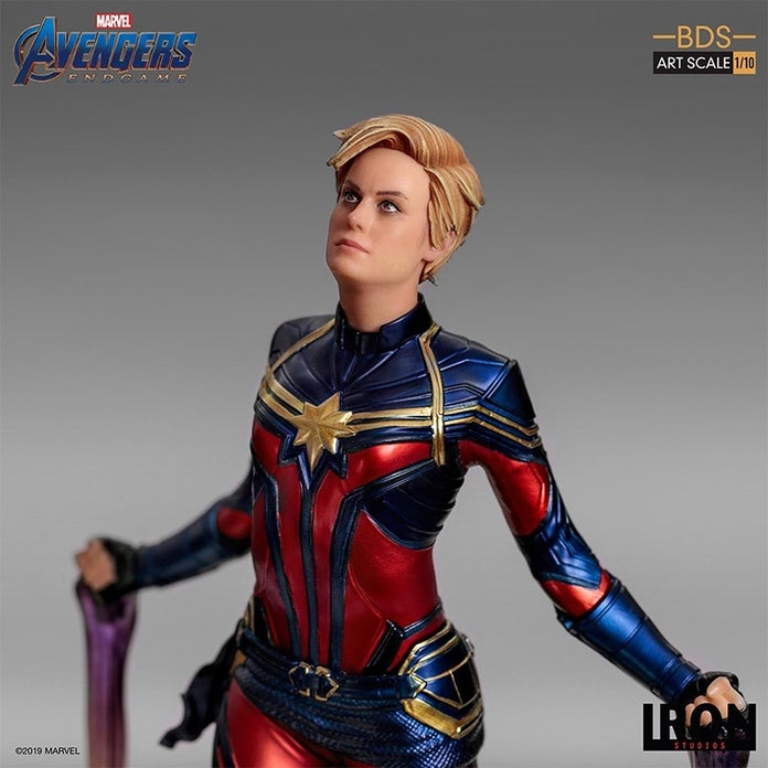 Captain-Marvel-Avengers-Endgame-Iron-Studios-Statue-7