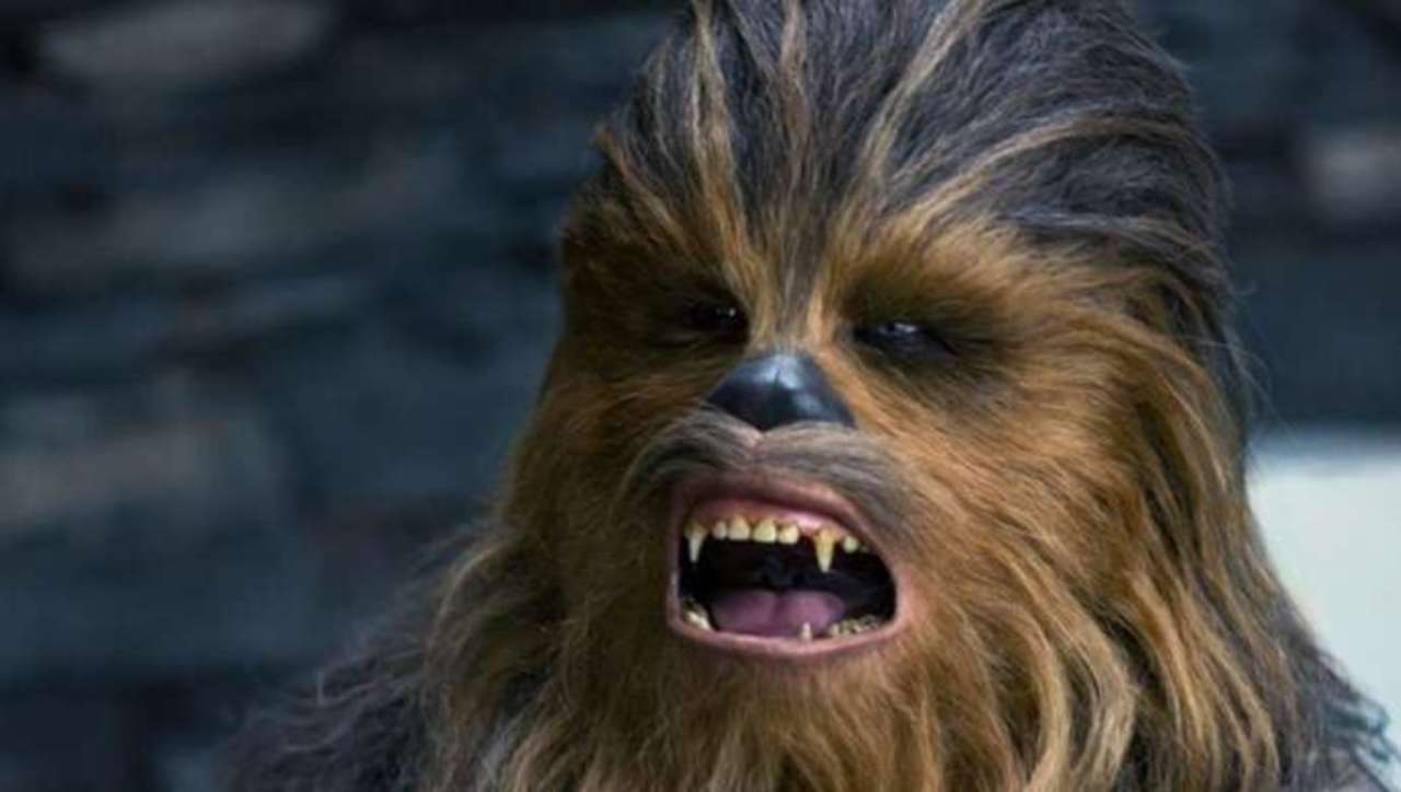 Star Wars: Chewbacca Actor Shows the Struggles of Getting Interviewed When You're As Tall He Is