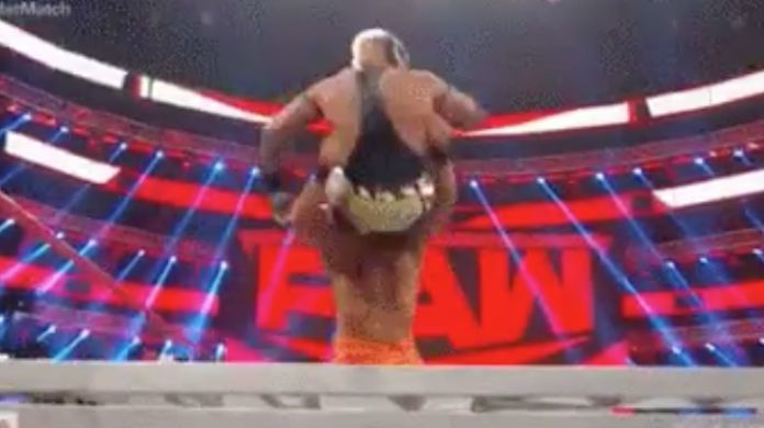 Rey-Mysterio-Andrade-Ladder-Match