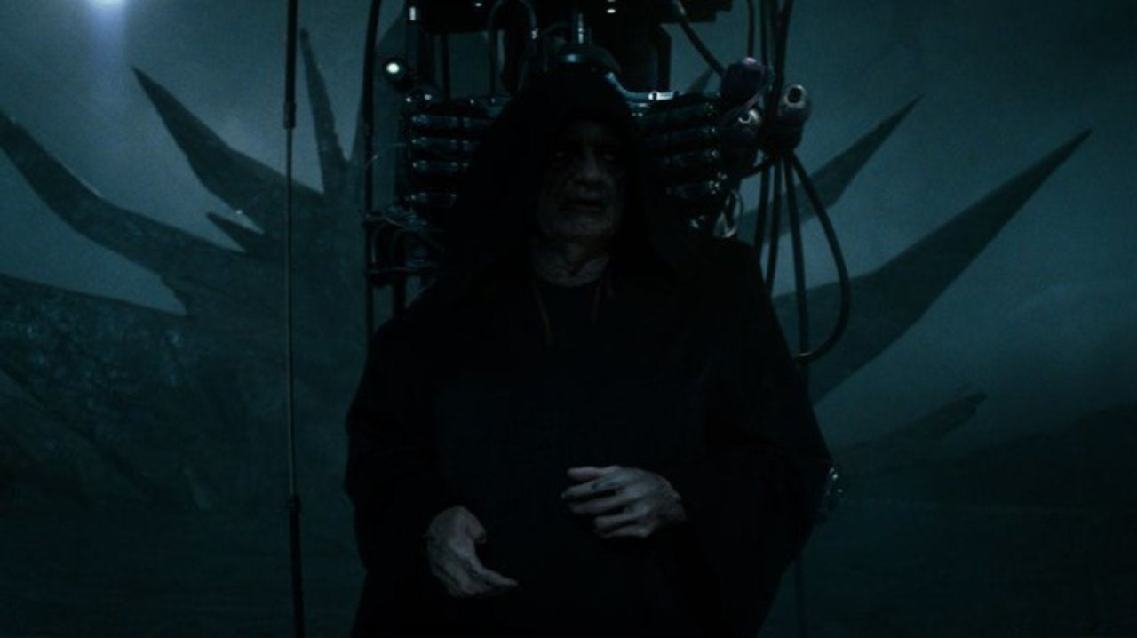 Star Wars Releases an Official Look at Emperor Palpatine From The Rise of Skywalker