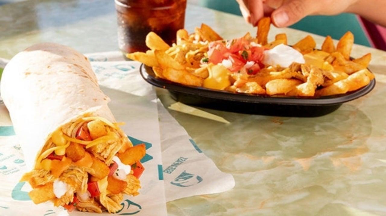 Taco Bell Introduces Buffalo Chicken Nacho Fries