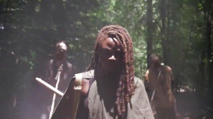 The Walking Dead Season 10 Michonne walker pets