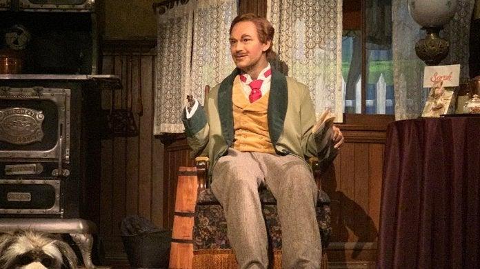 Disney World Animatronic Character Breakdown Hand Fell Off Carousel of Progress