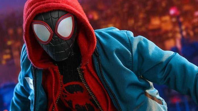 hot-toys-miles-morales-spider-man-top