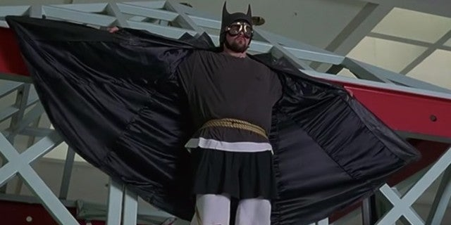 Kevin Smith Reacts To Robert Pattinson's Batsuit Looking Like His Batman Costume From Mallrats