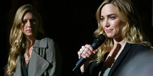 legends of tomorrow caity lots directing mortal khanbat