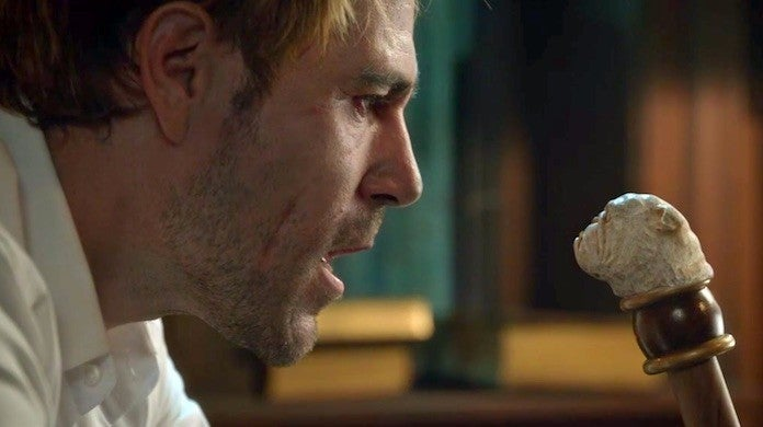 legends-of-tomorrow-john-constantine-bulldog