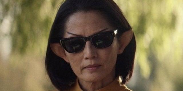 Star Trek: Picard Showrunner Explains Why That Vulcan Wore Sunglasses