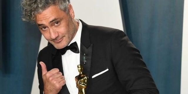 Thor: Love and Thunder Director Taika Waititi Claims Instagram Took Down His Oscar Photo