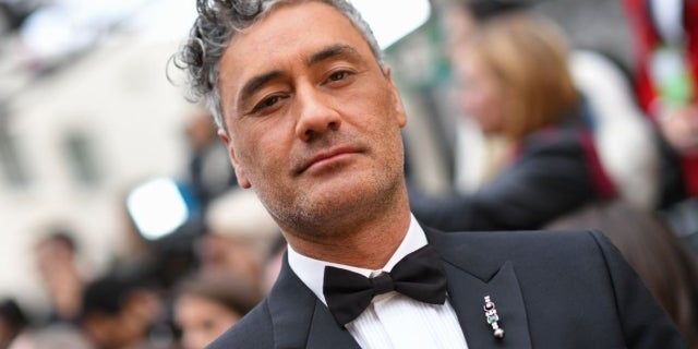 taika waititi oscars red carpet