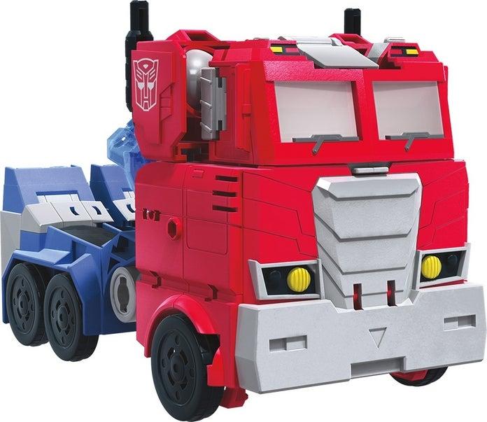Transformers-Cyberverse-Battle-Call-Officer-Class-Optimus-Prime-3