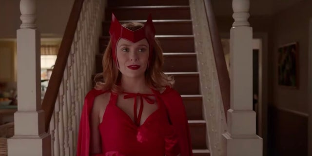 WandaVision-Scarlet-Witch-Costume-First-Look