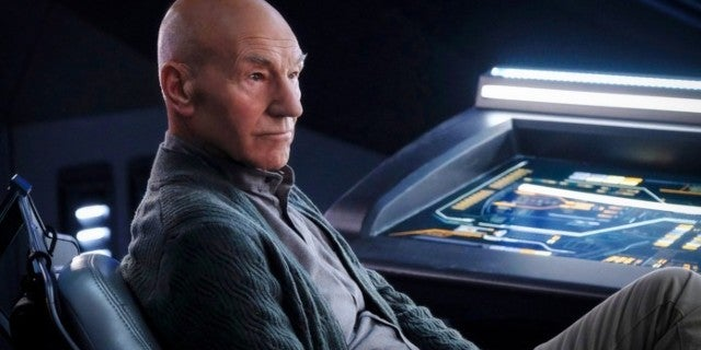 Star Trek: Picard Showrunner Explains Why There's So Much Modern Tech in the Show