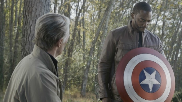 Avengers Endgame Captain America shield Falcon Anthony Mackie