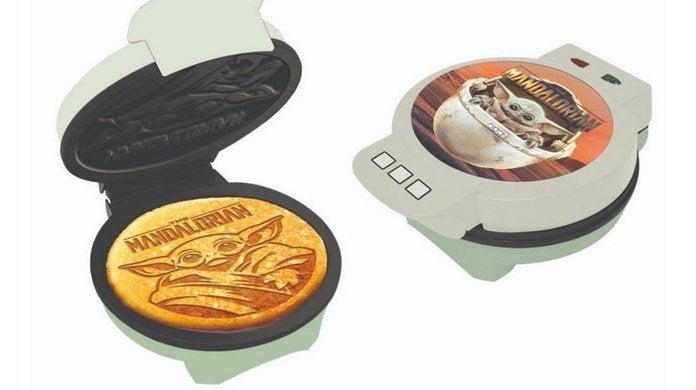 baby-yoda-waffle-maker