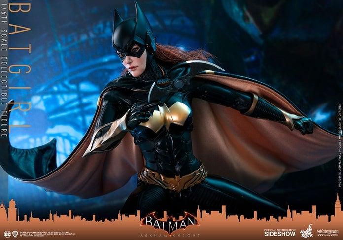 Batgirl-Arkham-Knight-Hot-Toys-Figure-6
