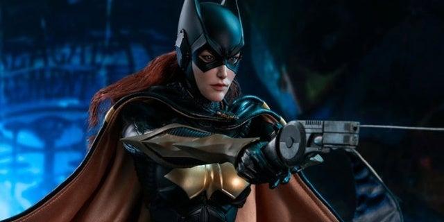 Batgirl-Arkham-Knight-Hot-Toys-Figure-Header