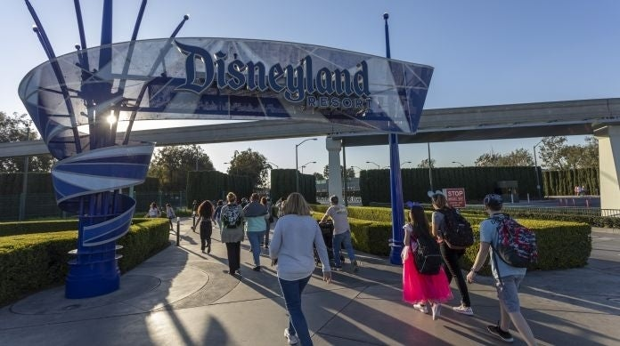 disneyland-hotels-to-remain-open-until-monday-after-preemptive-coronavirus-park-closure