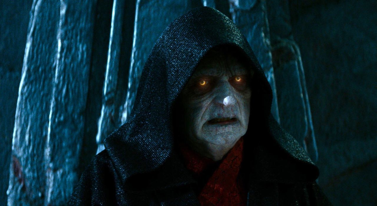 star-wars-fans-are-livid-over-emperor-palpatine-being-a-clone-in-rise-of-skywalker