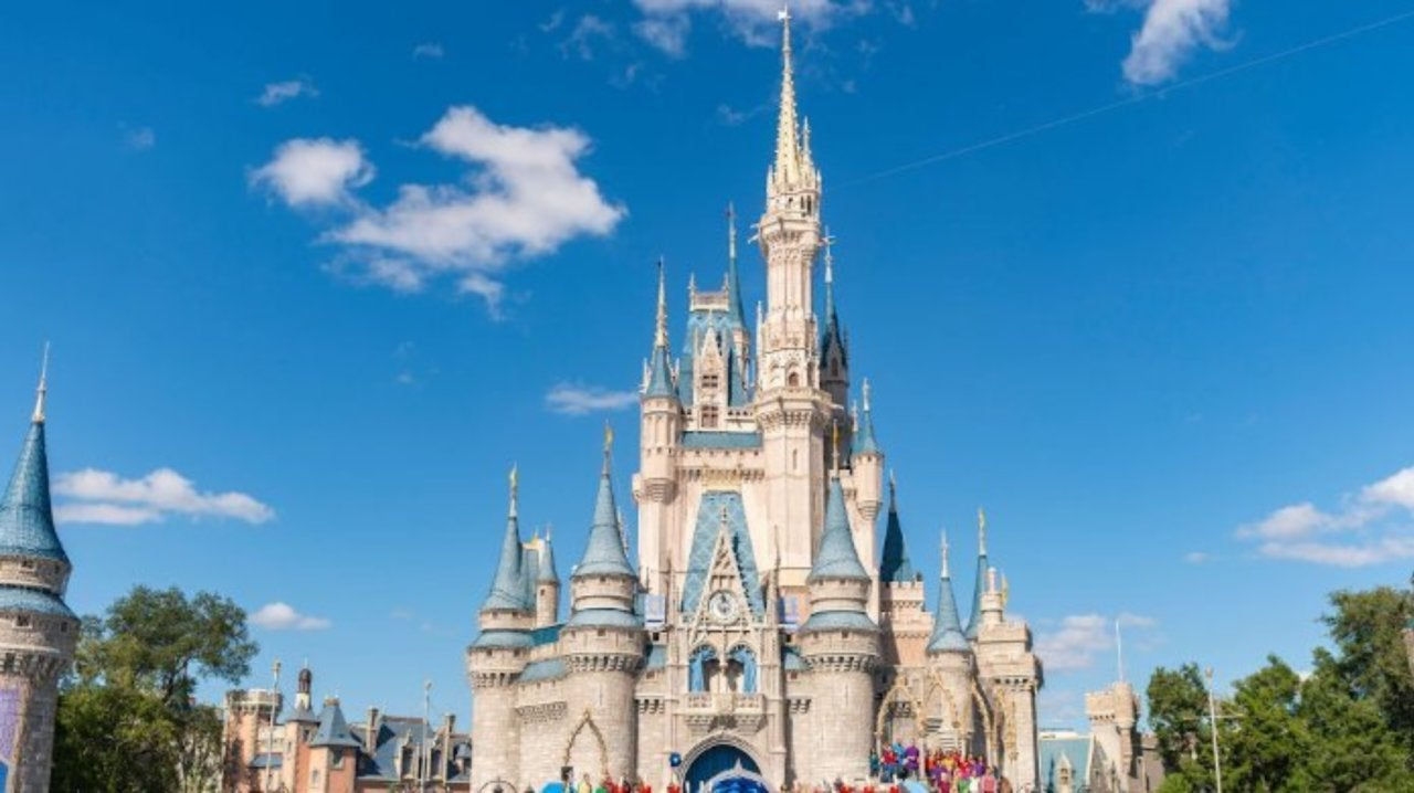 """Disney World Announces Limited Mask-Free """"Relaxation Zones"""""""