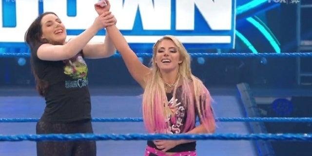WWE-SmackDown-Nikki-Cross-Alexa-Bliss