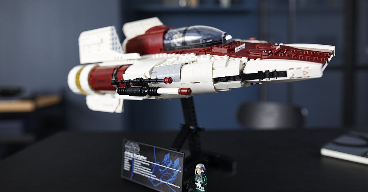 LEGO-star-wars-awing-starfighter-top
