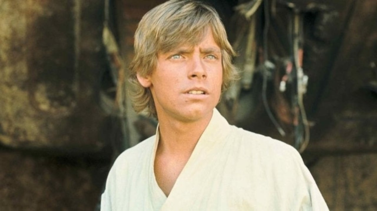 Star Wars: Mark Hamill Honors One of His Most Iconic Outfits