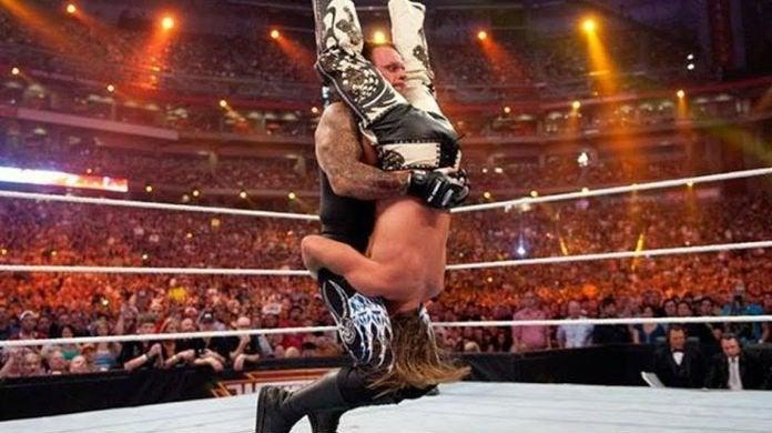 Undertaker-Piledriver-WWE