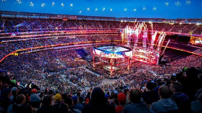 WWE-WrestleMania-crowd