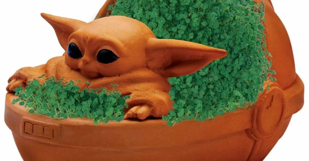 baby-yoda-chia-pet-top