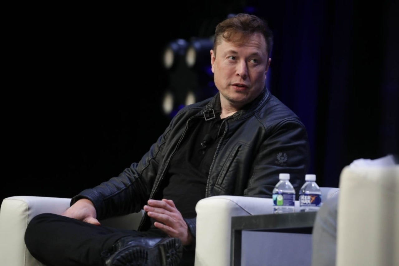 Elon Musk Says It's Currently Too Expensive for Self-Sustaining City on Mars - ComicBook.com