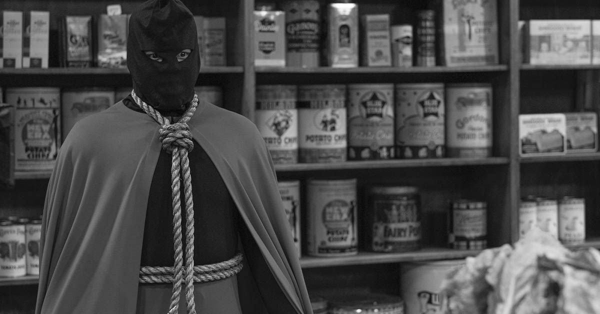 hbo watchmen hooded justice origin damon lindelof